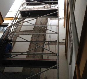 Reparación de frente de forjados en patio de Hotel Macarena - Ateca Trabajos Verticales S.L.