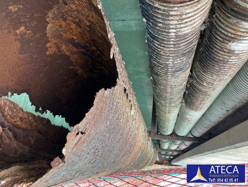 Desmontaje estructura en Ceuta tuberia Agua Puente del Cristo 2