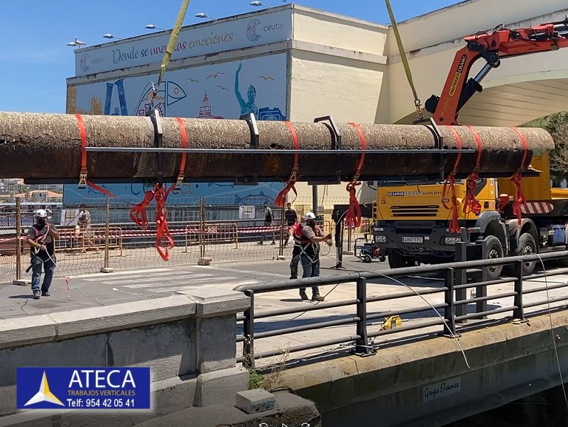 Desmontaje estructura en Ceuta tuberia Agua Puente del Cristo 6