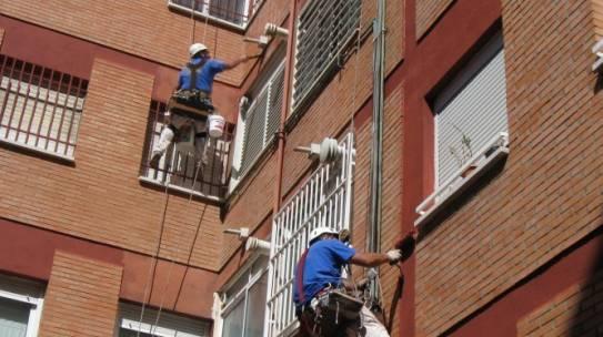 Pintar fachadas de edificios en Sevilla 954 42 05 41