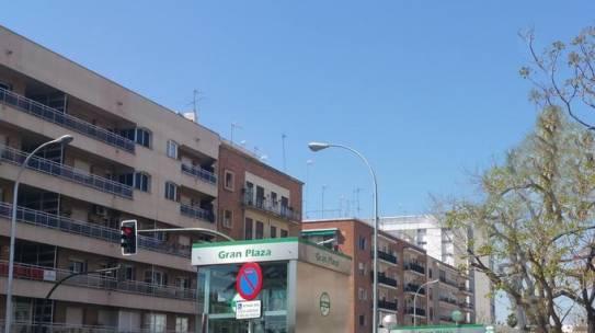 Pintura de fachadas en Nervión 954 42 05 41