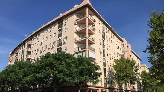 Pintura de fachadas en Sevilla Este 954 42 05 41