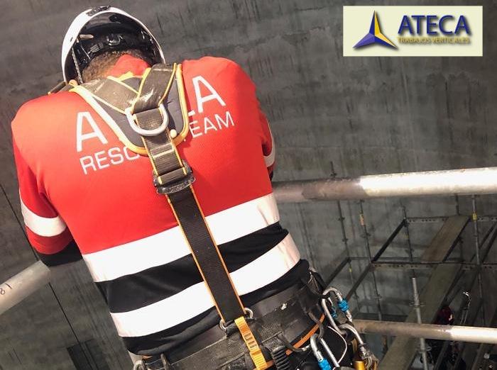 Equipo de rescate en altura Ateca