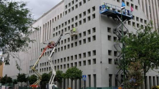 FIJACIÓN DE APLACADO EN EDIFICIO BUHAIRA 2 SEVILLA